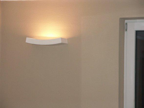 Gipslampe im Wohnbereich
