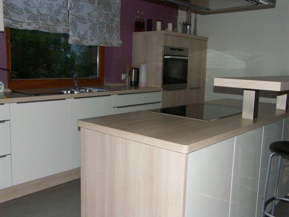 Küche jetzt mit Gardinen
