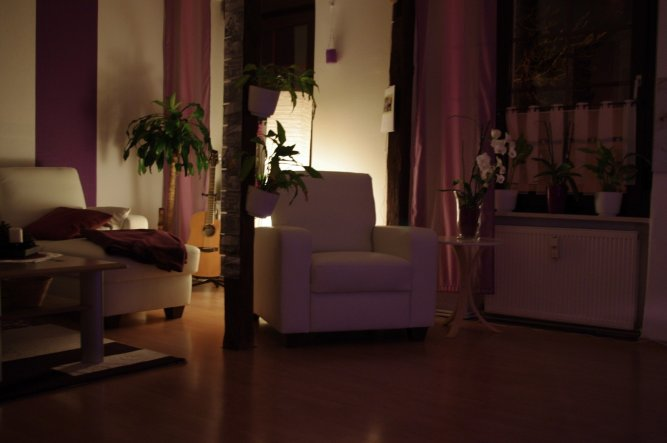 Wohnzimmer 39 wohnzimmer 39 leo s home zimmerschau - Wohnzimmer violett braun ...
