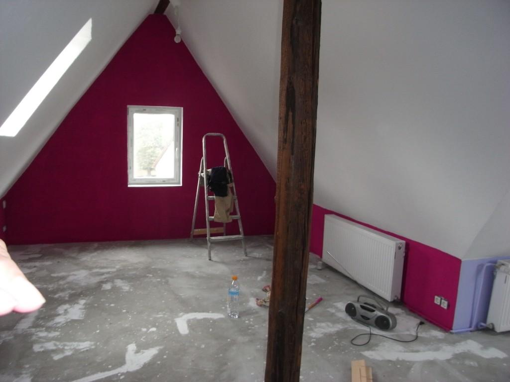 Kinderzimmer 39 dachboden 39 mein neues altes haus zimmerschau for Jugendzimmer dachboden