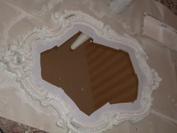 Den tollen Spiegel hab ich vom Sperrmüll - er war vorher Gold. Nun kommt er ins neue Wohnzimmer über den Kamin.