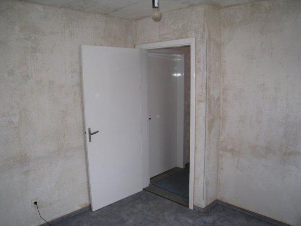 Ankleidezimmer vorher