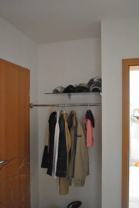 flur diele 39 kleine diele 39 unsere wohnung zimmerschau. Black Bedroom Furniture Sets. Home Design Ideas
