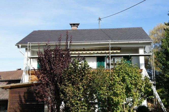 Hier mit neuem Dach :-)