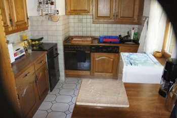 Die alte Küche und Esszimmer vor der Renovierung