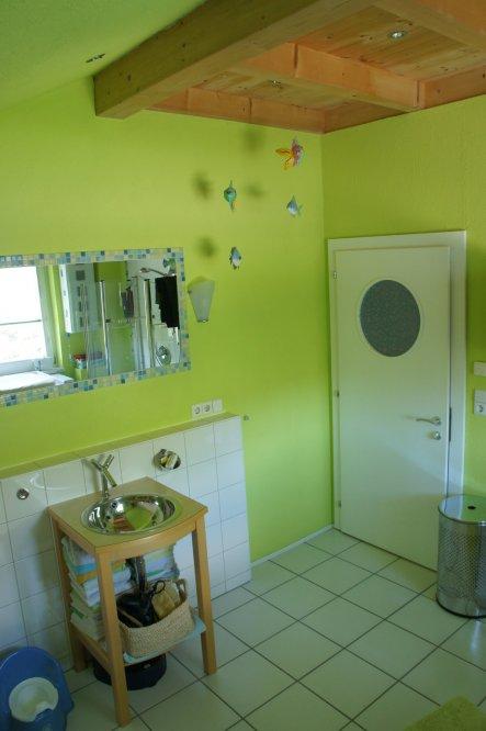 Wohnzimmer 'altes Badezimmer'
