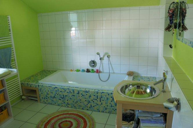 altes badezimmer aufpeppen. Black Bedroom Furniture Sets. Home Design Ideas