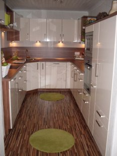 k che 39 offene insel k che 39 selbstrenoviertes 50er jahre haus zimmerschau. Black Bedroom Furniture Sets. Home Design Ideas