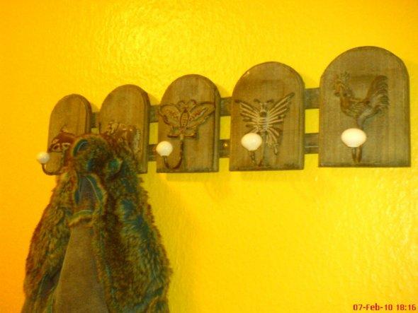 Altholz mit Metallhaken + Keramikknauf :)