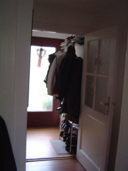 unser Miniflur, der ist schon mit ner Garderobe völlig übefüllt...