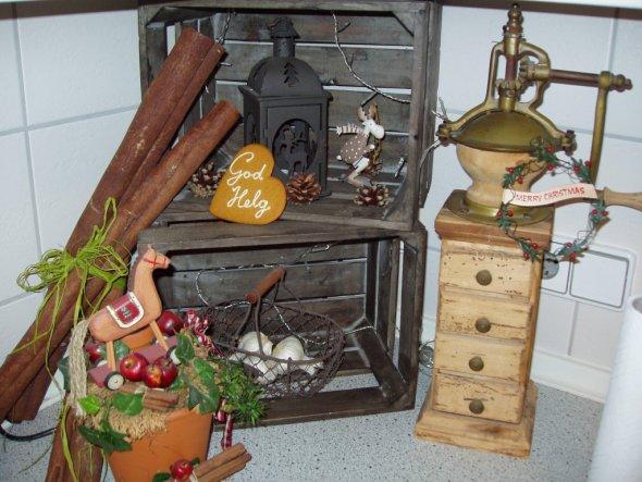 Weihnachtsdeko 39 weihnachten 2010 39 mein zuhause zimmerschau - Holzkisten weihnachtlich dekorieren ...