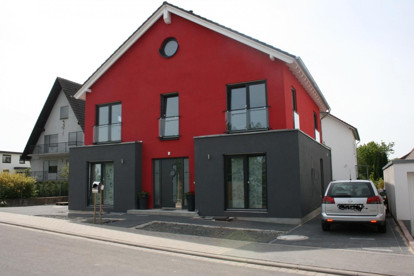 hausfassade au enansichten 39 haus aussen 39 die rote stadtvilla zimmerschau. Black Bedroom Furniture Sets. Home Design Ideas