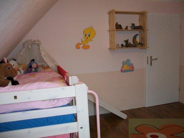 Kinderzimmer 39 lucies reich 39 villa kunterbunt zimmerschau for Kinderzimmer zu voll