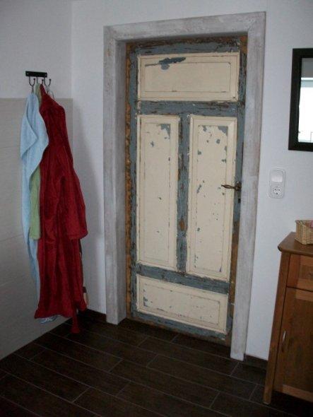 Wieder eine schöne alte Tür....