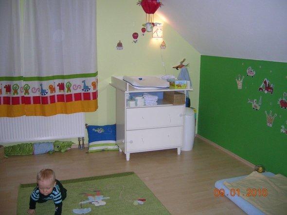 kinderzimmer 39 das gr ne zimmer 39 mein domizil zimmerschau. Black Bedroom Furniture Sets. Home Design Ideas