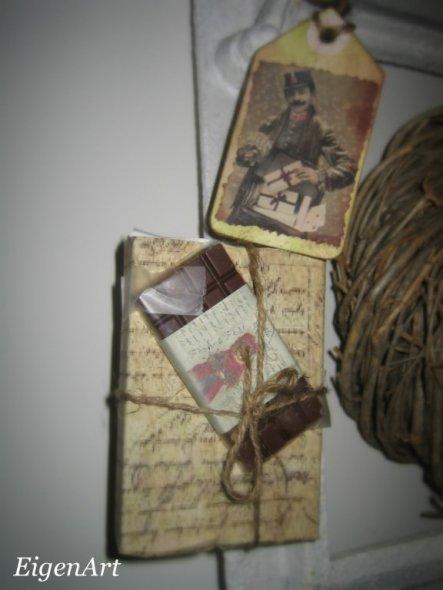 Dieses wunderbare Päckchen, eine MiniSchokolade und eines der wunderbaren Tag´s habe ich in KoRa´s Blog beim Wichtellotto gewonnen... Freue mich soooo