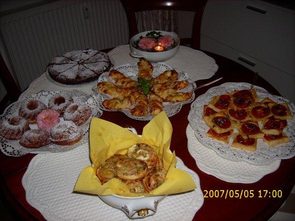 für liebe Gäste (das Datum auf den Fotos ist übrigens falsch - die Feier war am 1.8.) ;-)