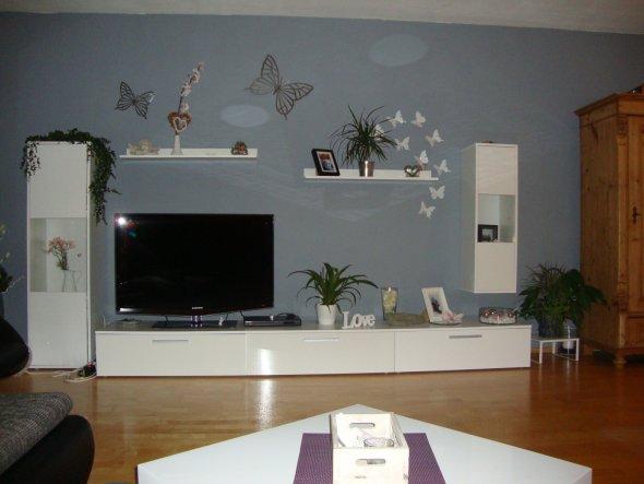 Wohnzimmer 39 wohnzimmer 39 unsere zweite gemeinsame wohnung zimmerschau - Wohnzimmer grau gestrichen ...