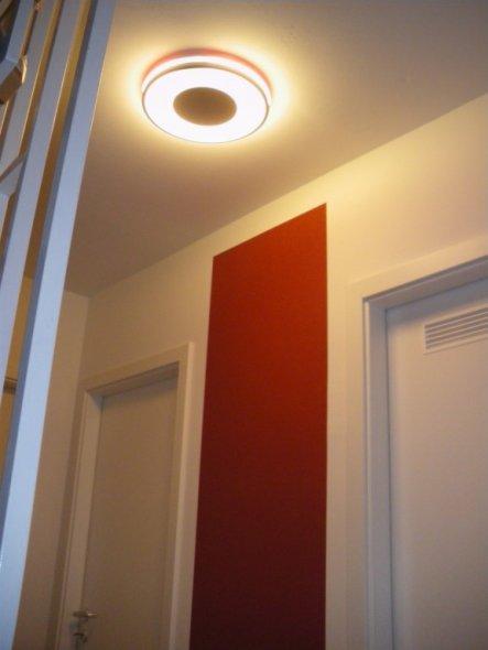 die rote Umrandung an der Deckenleuchte kann durch andere Farben ersetzt werden, aber das rot passte so herrlich ;-)
