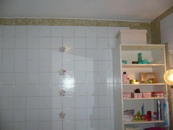 tipp von jassi badfliesen berkleben zimmerschau. Black Bedroom Furniture Sets. Home Design Ideas