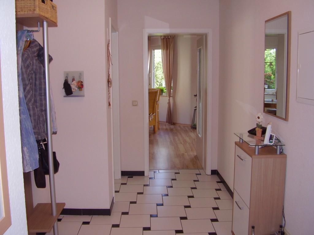 flur diele 39 flur eingangsbereich 39 unsere sonnenwohnung zimmerschau. Black Bedroom Furniture Sets. Home Design Ideas