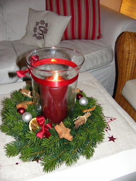 bei uns ist der Kranz dieses Jahr etwas alternativ mit nur einer Kerze