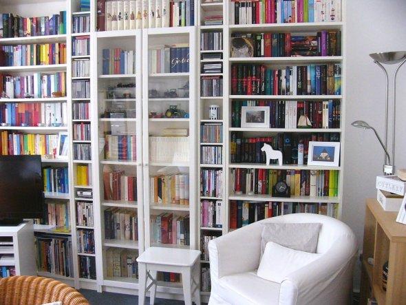 Die Gläser und das Geschirr sind weg - jetzt gibt es hier endlich nur noch Bücher