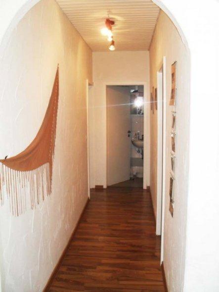 flur diele 39 flur 39 mein alt domizil zimmerschau. Black Bedroom Furniture Sets. Home Design Ideas