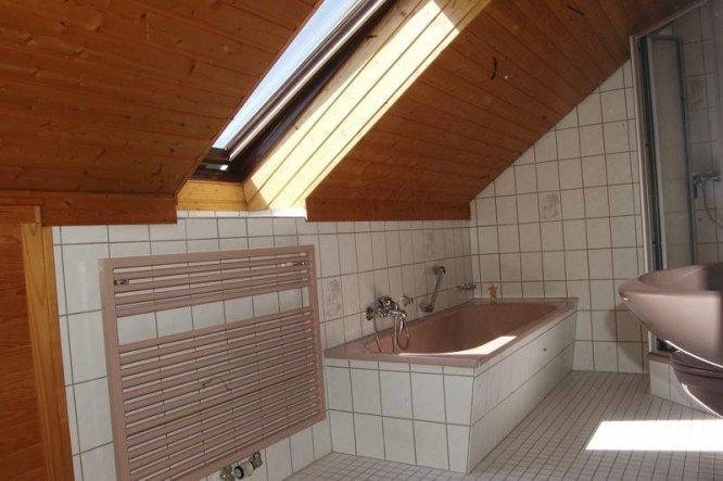 bad 39 badezimmer 39 mein neues domizil zimmerschau. Black Bedroom Furniture Sets. Home Design Ideas