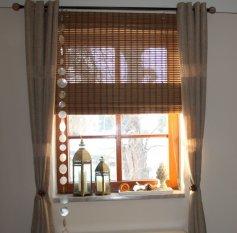 Wohnzimmer mit neuen Gardinen