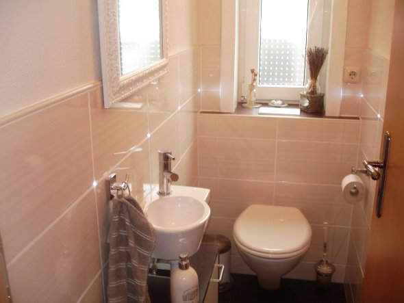 bad 39 g ste wc 39 marion s welt zimmerschau. Black Bedroom Furniture Sets. Home Design Ideas