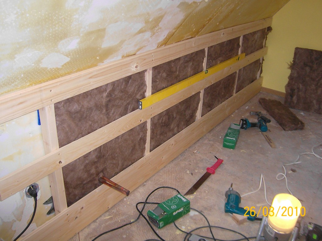 so mussten wir erst einmal eine neue drempelwand bauen. Black Bedroom Furniture Sets. Home Design Ideas