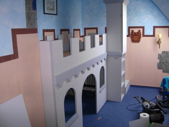kinderzimmer 39 ritterzimmer 39 mein domizil zimmerschau. Black Bedroom Furniture Sets. Home Design Ideas