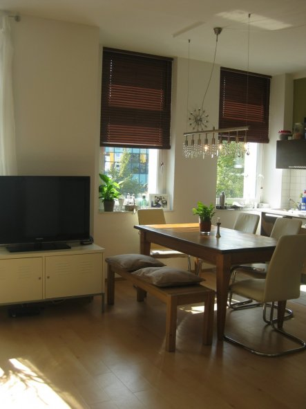 k che 39 wohnraum k che 39 unsere erste gemeinsame wohnung 2 zimmerschau. Black Bedroom Furniture Sets. Home Design Ideas