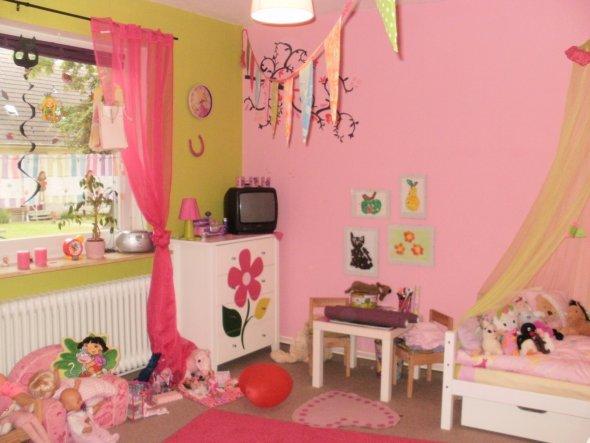 Kinderzimmer 'Püppis Zimmer Neu'