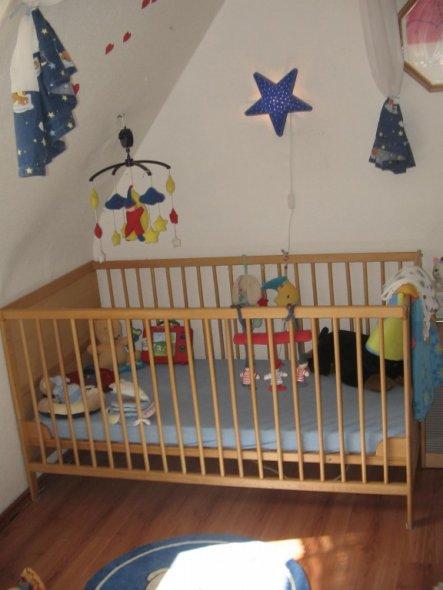 schlafzimmer 39 schlaf und babyzimmer 39 unsere kleine wohnung zimmerschau. Black Bedroom Furniture Sets. Home Design Ideas