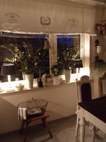 auch ein paar neue lampen habe ich gebastelt,eine neu zu kaufen war mir zu teuer,also ich überlegt,ich hatte noch ein paar kerzenständer die innen hoh