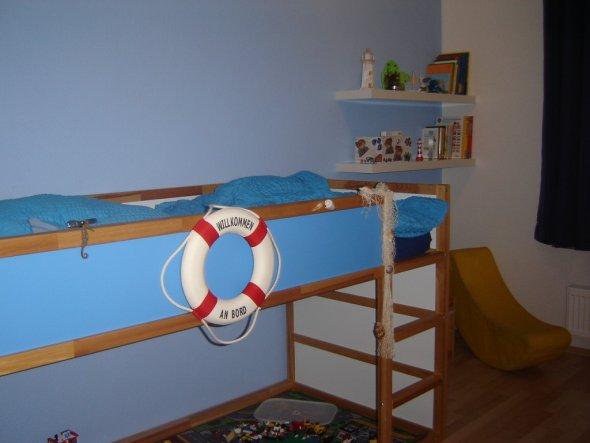 kinderzimmer 39 piraten kinderzimmer 39 unser kleines h uschen zimmerschau. Black Bedroom Furniture Sets. Home Design Ideas