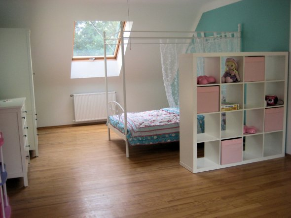 kinderzimmer 39 zeitloses prinzessinenzimmer. Black Bedroom Furniture Sets. Home Design Ideas