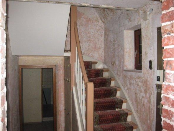 Wohnzimmer 'Tapeten sind runter'