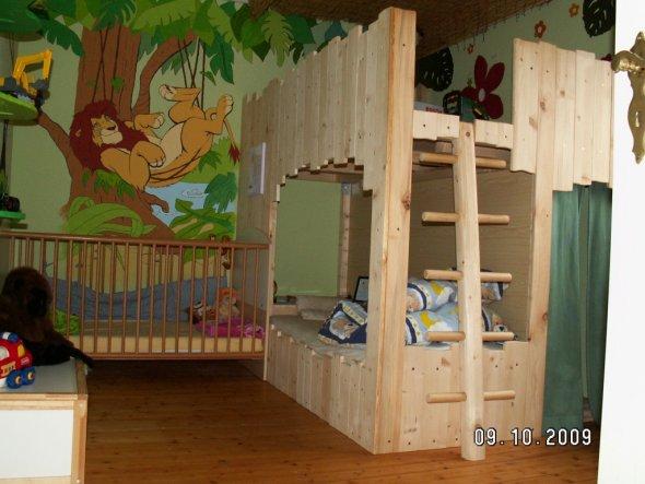 Kinderzimmer 39 dschungelzimmer 39 mein domizil zimmerschau for Kinderbett dschungel