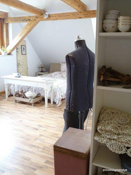 Wohnzimmer 'Gästezimmer + Stauraum'