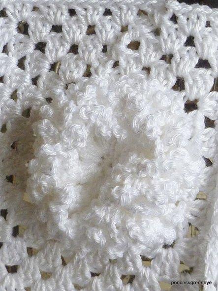Ich hab eines meiner Lieblingsmotive so abgewandelt, dass es meiner Meinung nach eine Chrysantheme darstellen soll - der Held meinte allerdings es säh