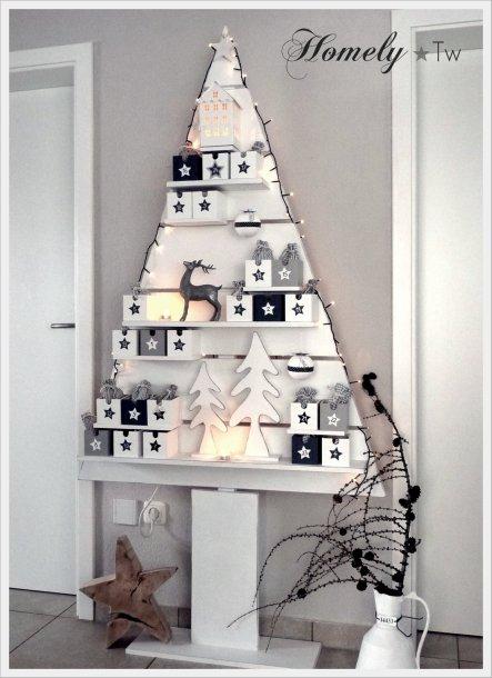 unser selbstgebauter Holz-Weihnachtsbaum, war der Adventskalender für die Kinder