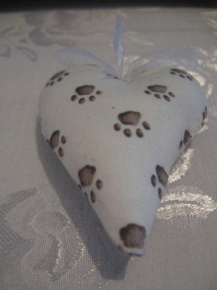Tilda Herz mit süßen Katzentatzen....ca 9 cm