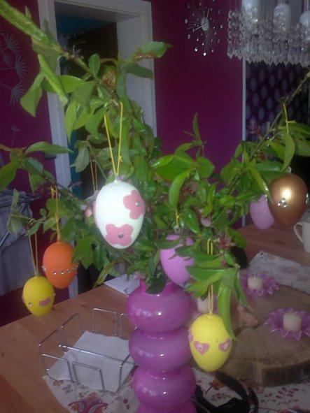 Kleiner Strauss mit selbstgebastelten Eiern:-)