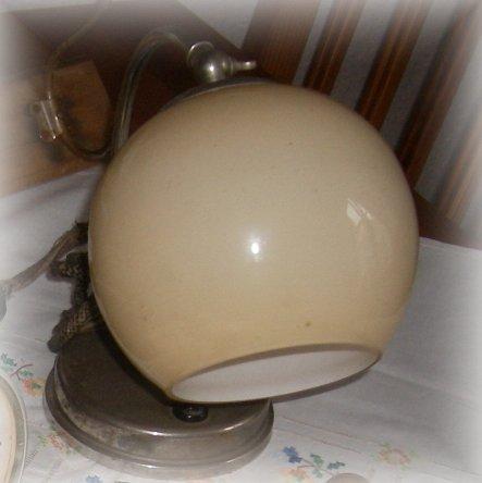 alte Nachttischlampe für 3,00 €