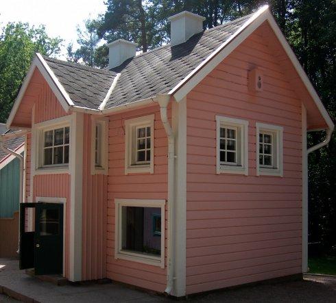 Für Lana :) ein kleines süßes rosa Haus. Musste ich einfach festhalten, war so zuckersüß :))