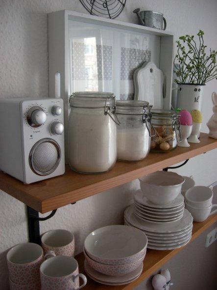 die Eierkreation unserer Kleinen hat einen Ehrenplatz auf dem Küchenregal :)