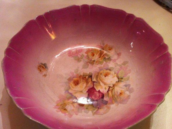 wunderschöne uralte rosenschüssel:)